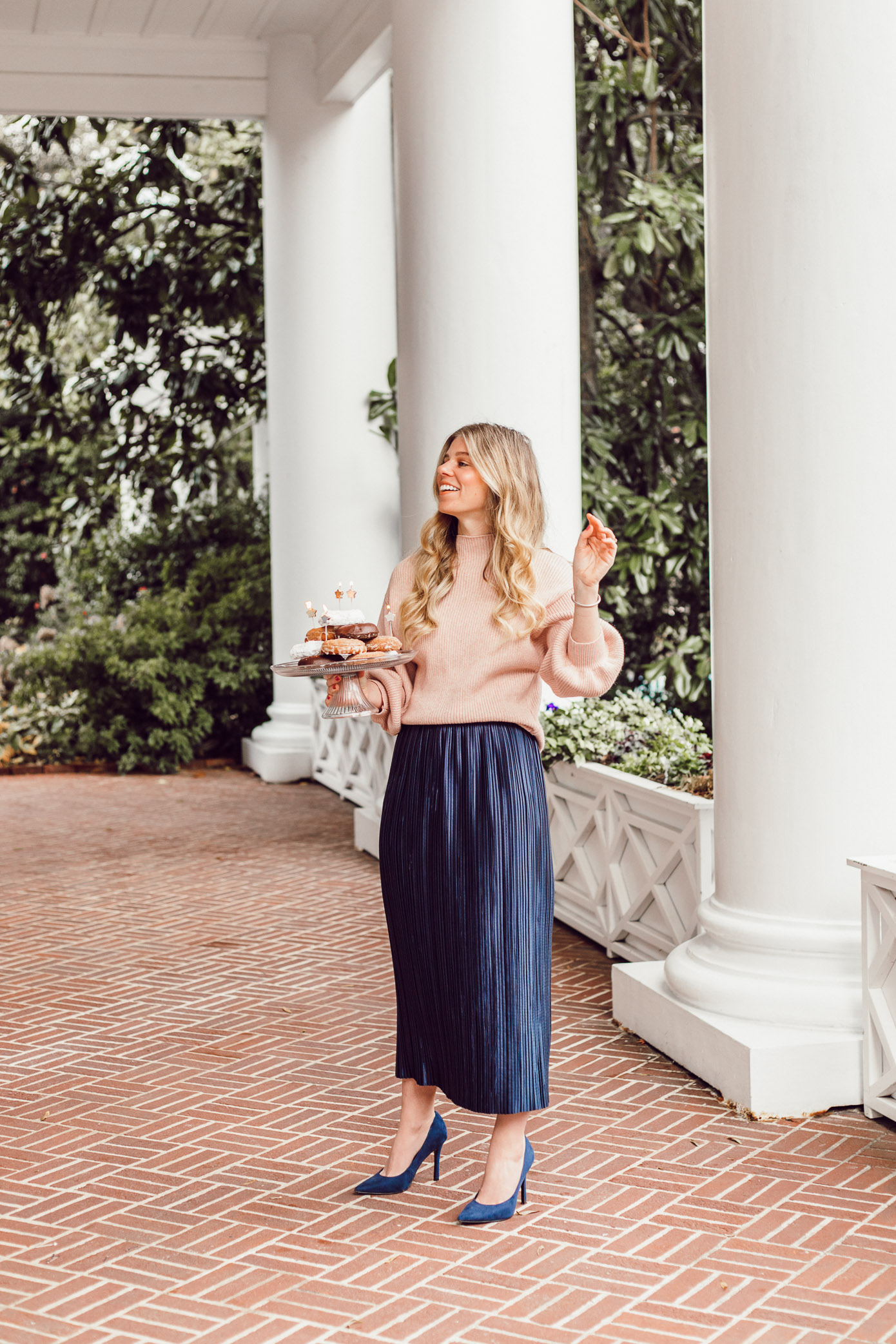 29 Life Lessons Learned featured on Louella Reese Life & Style Blog for her 29th Birthday | Donut Cake