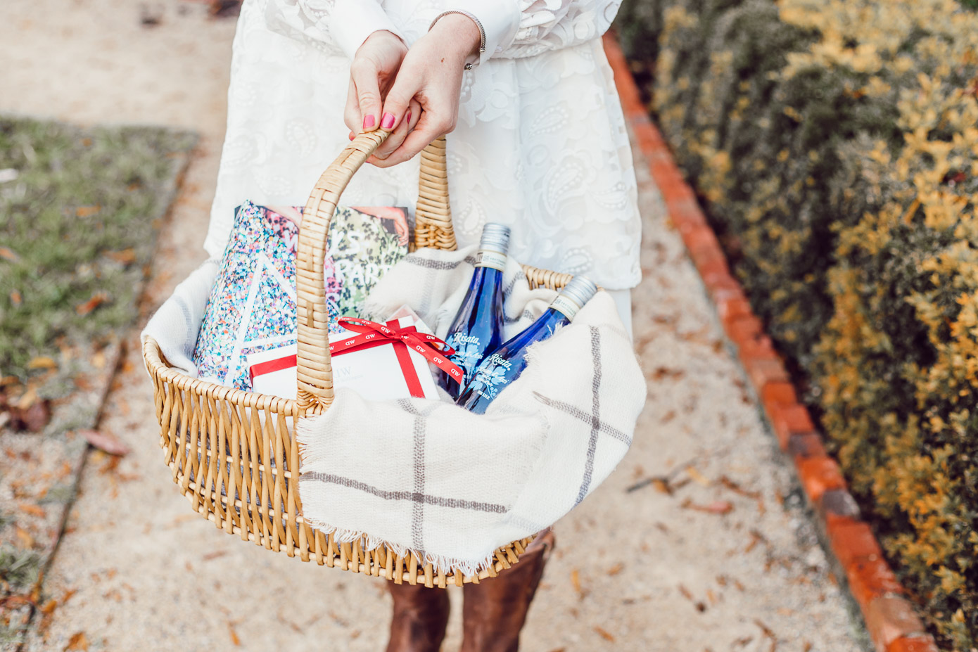 How To Celebrate Special Occasions the Right Way With The BEST Small Personal Wine Bottles- Louella Reese Life & Style Blog