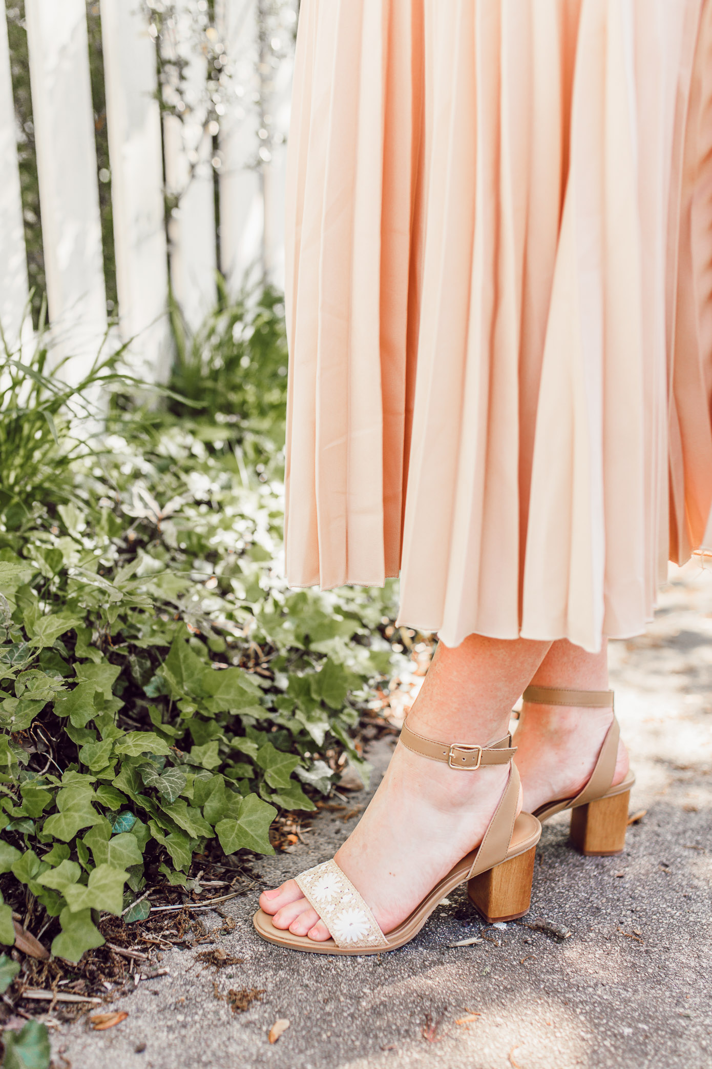 The must-have high heel sandals to shop for spring and summer with a neutral outfit   ft. Chicwish, Jack Rogers, Lisi Lerch   Louella Reese
