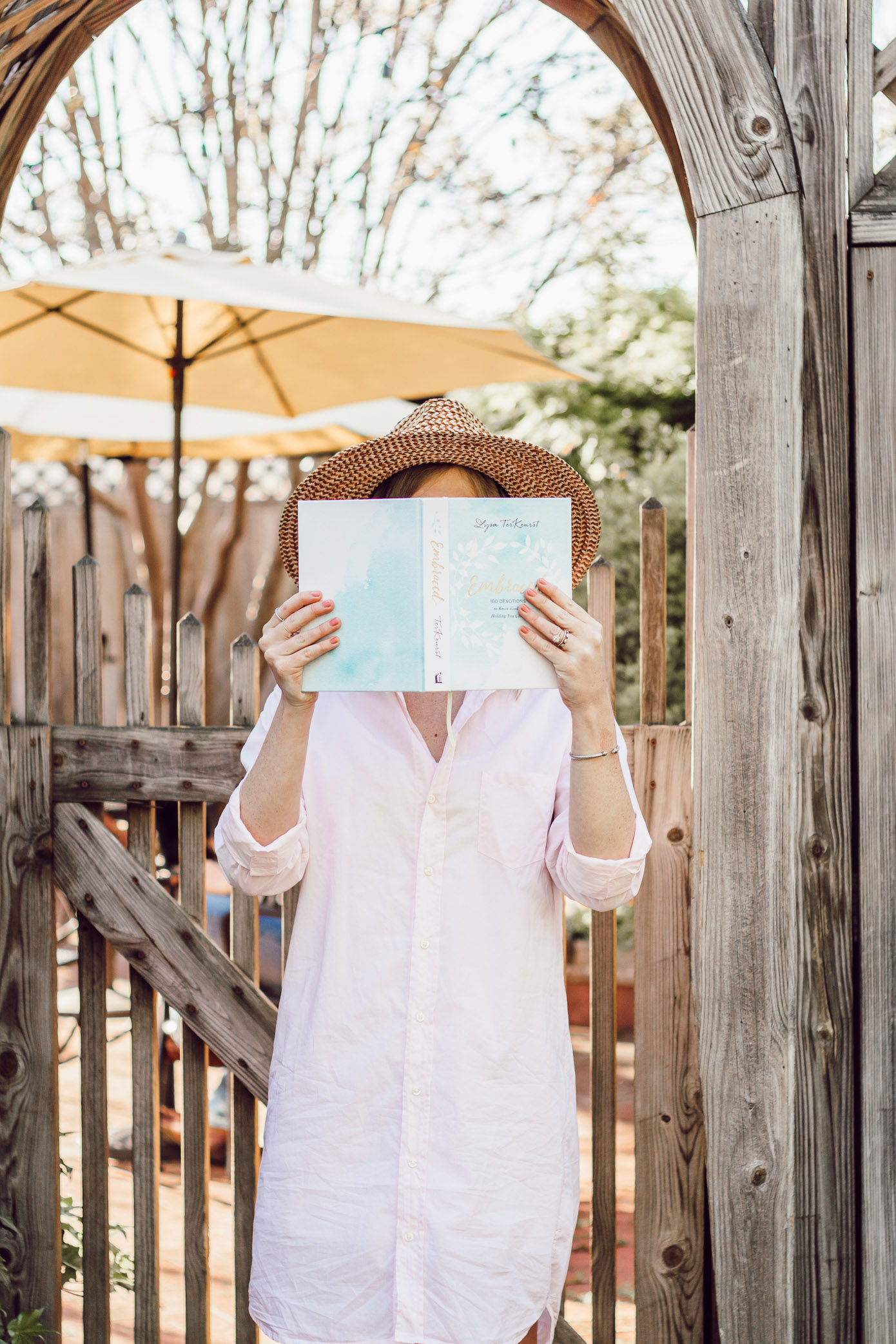 Best Devotionals for Young Women | Devotionals for 20-somethings | Louella Reese