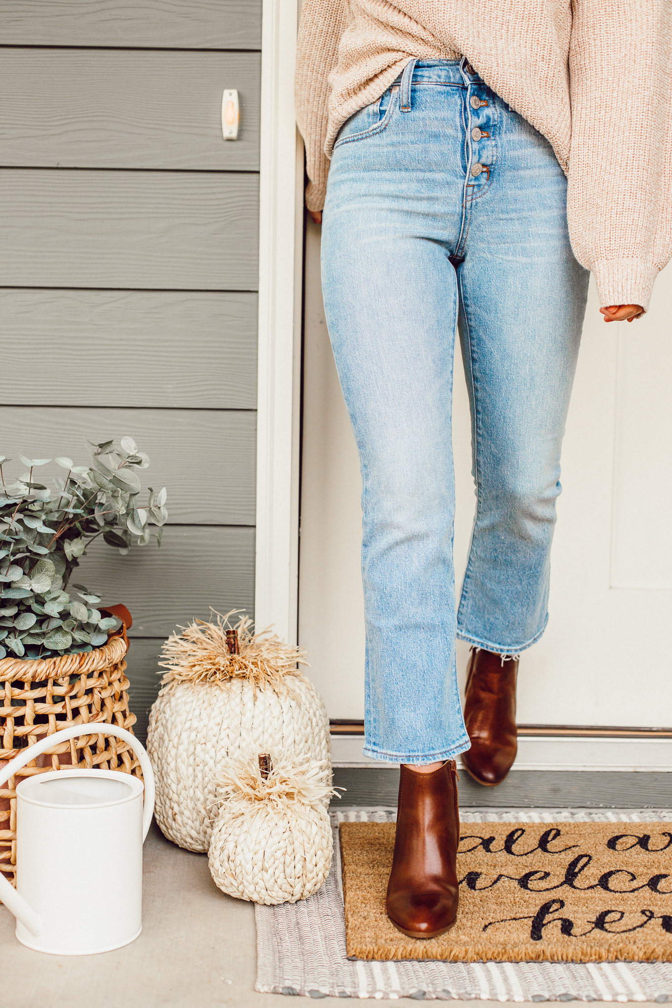 Louella Reese September 2019 Recap   Fall Front Porch Decor