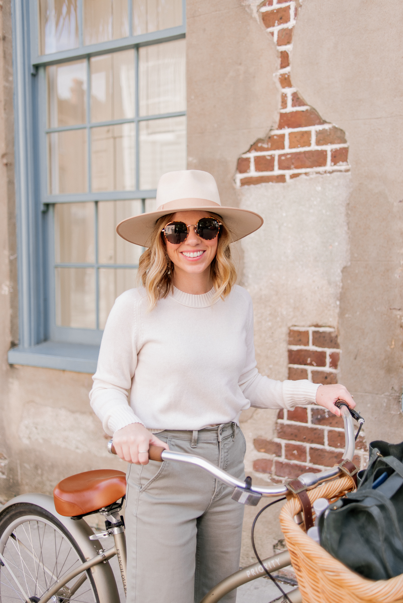 Why You Should Visit Charleston SC in the Fall | $100 Cashmere Sweater, Ivory Wool Hat, Round Frame Sunglasses | Louella Reese