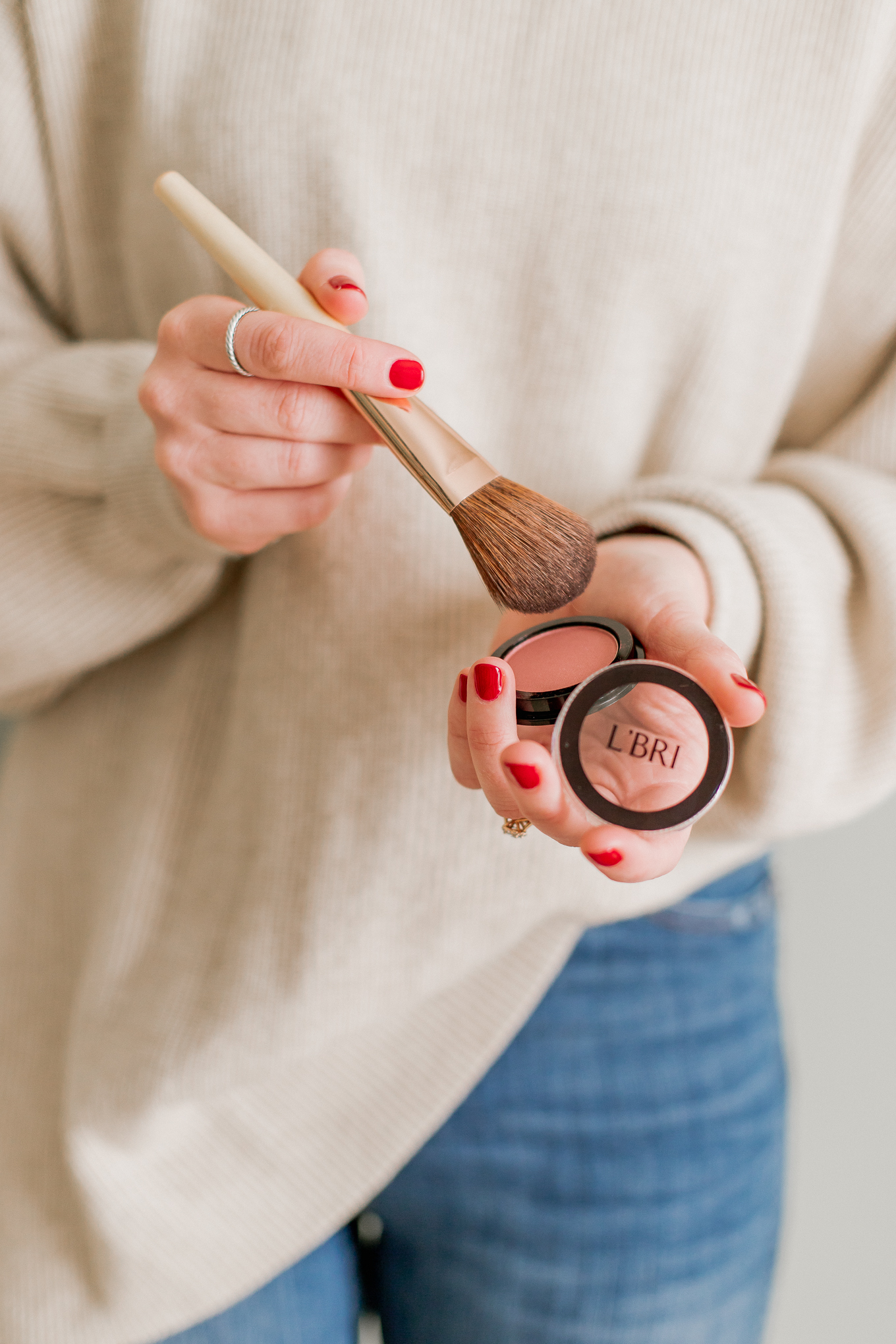 Clean Beauty Finds | Clean Blush, Powdered Blush | Louella Reese #cleanbeauty #cleanmakeup