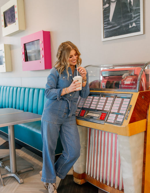 Ultimate Memphis Tennessee Travel Guide | Graceland Gladys' Diner | Louella Reese