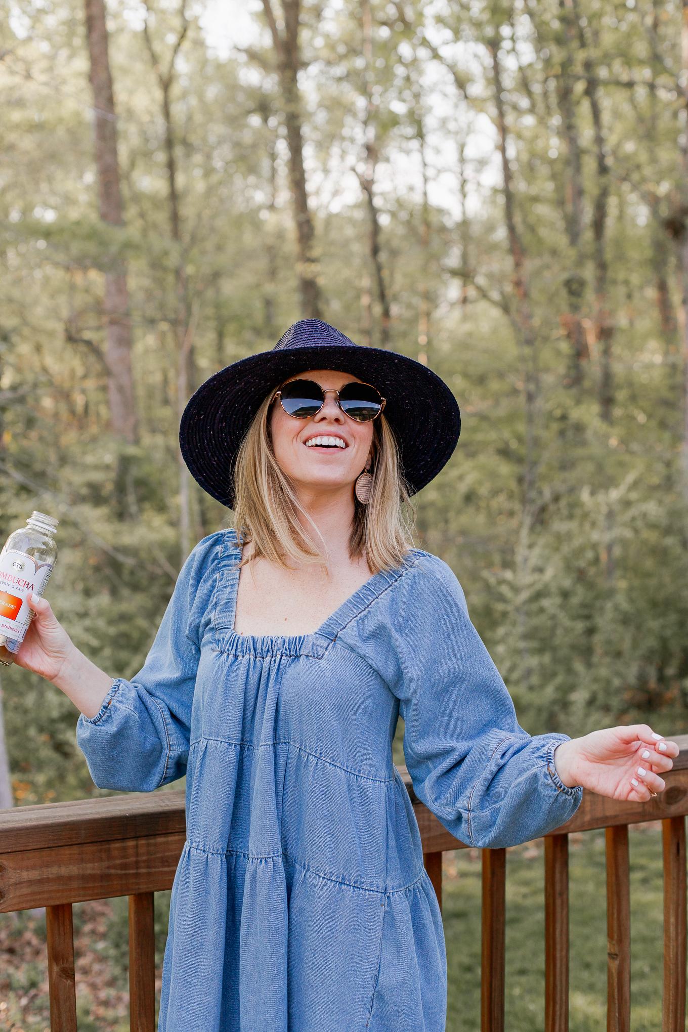 What is Kombucha, Benefits of Drinking Kombucha, and Kombuchas to try! | Louella Reese