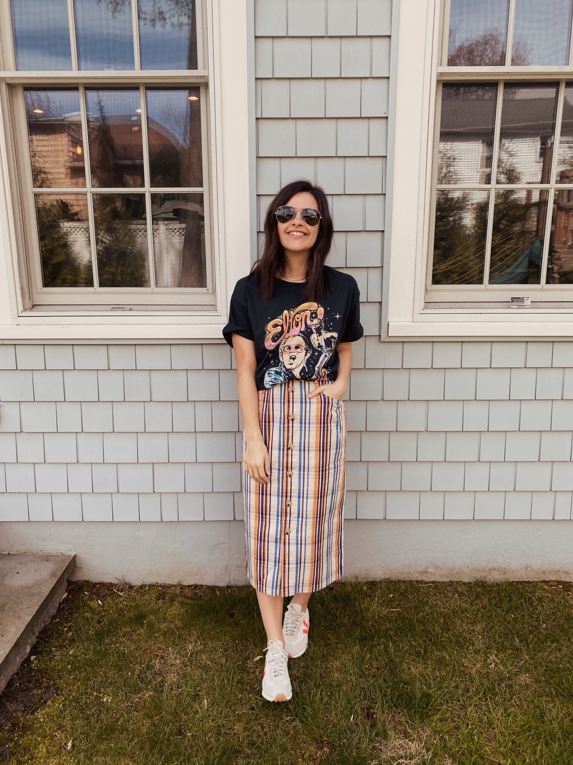 Five Ways to Style a Graphic Tee for Spring | Louella Reese