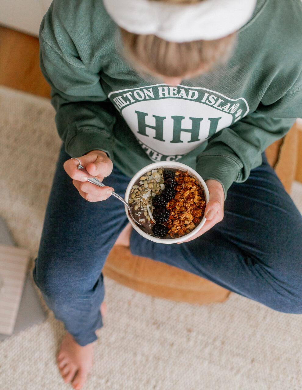 Simple Homemade Granola for Acai Bowls   Louella Reese