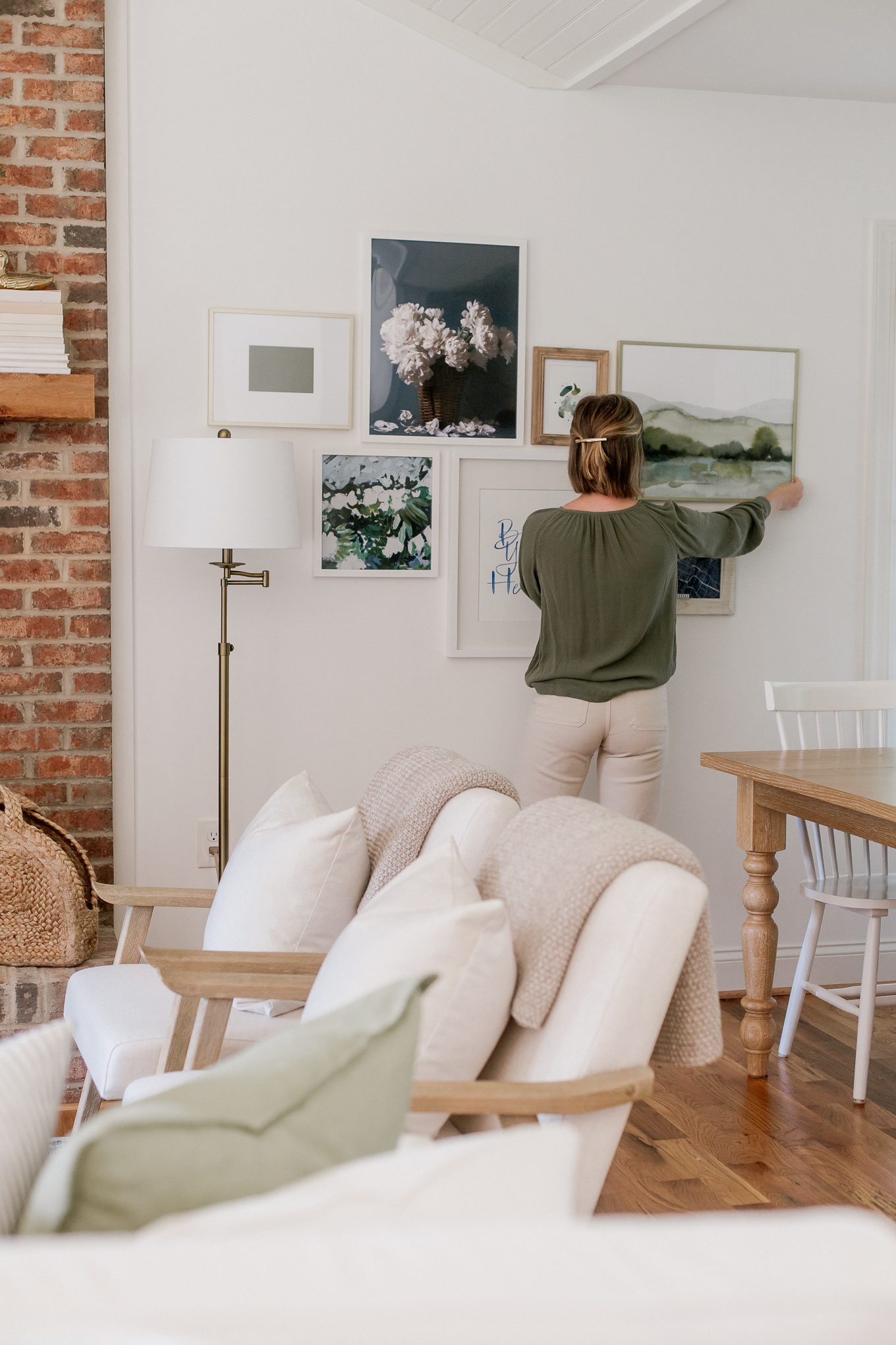 How to Create the Ultimate Gallery Wall & Compliment it with Decor | Louella Reese