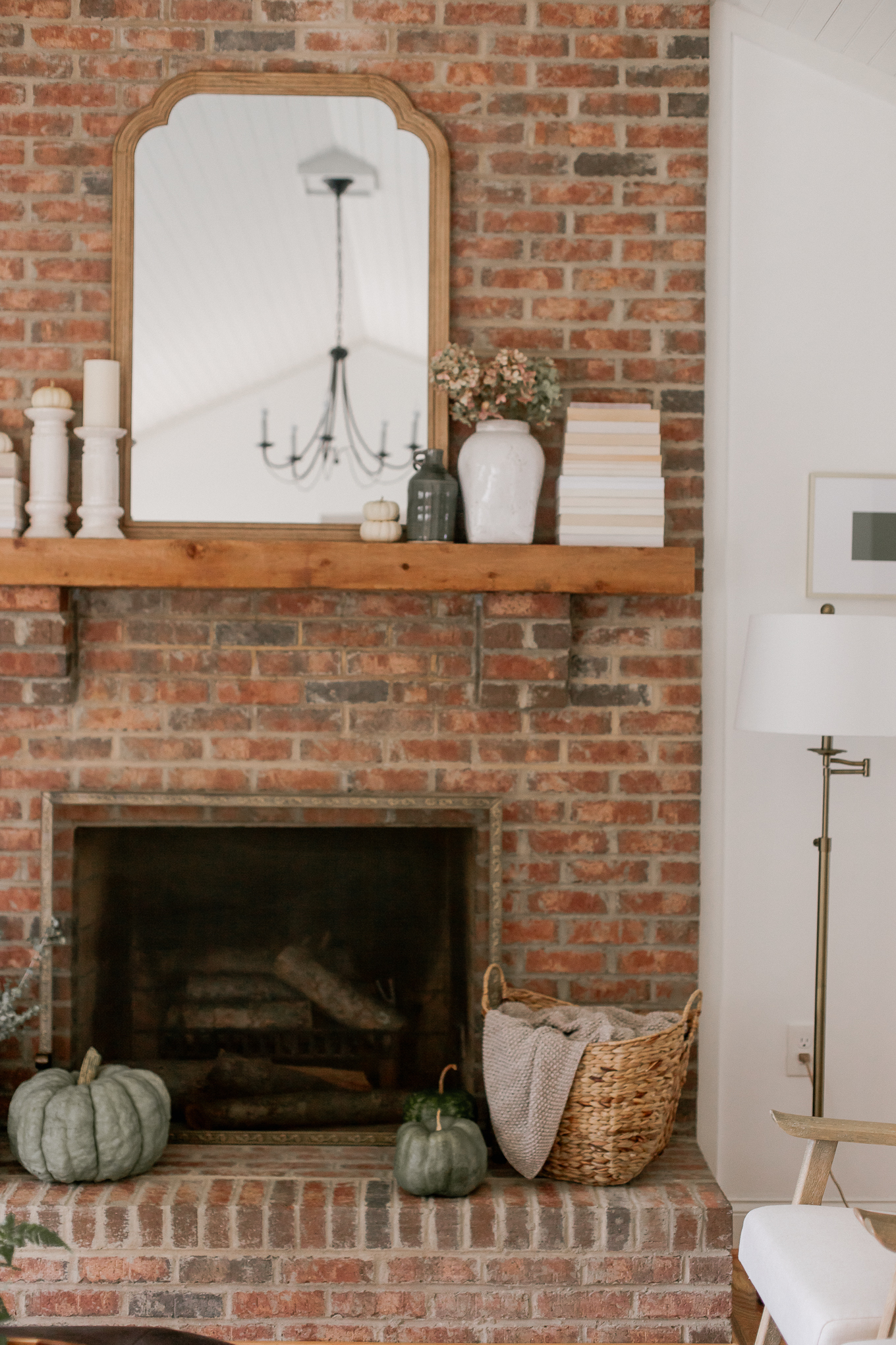 Five Fall Mantle Essentials to create a Fall mantle that'll take you from October through Thanksgiving | Louella Reese