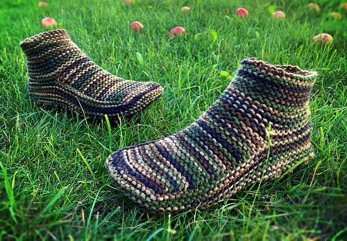 Hand Knit Camo Slippers – FREE Shipping!