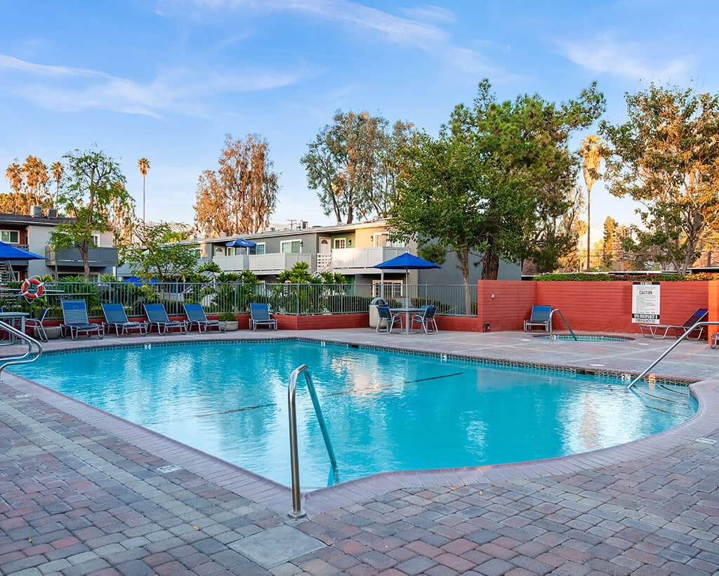 Sparkling Pool at Countrywood Apartments