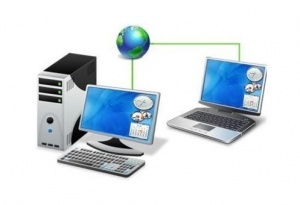 This is a graphic of two computers connected over the internet for a remote support session