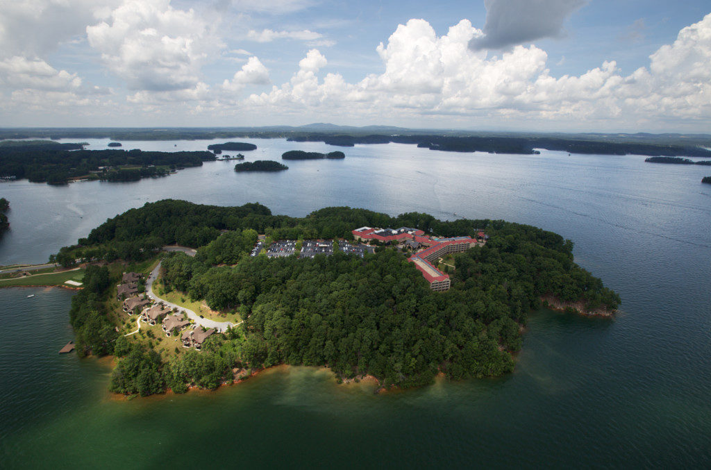 https://www.discoverlakelanier.com/placecategory/united-states/georgia/gainesville/hotels/lake-lanier-islands/