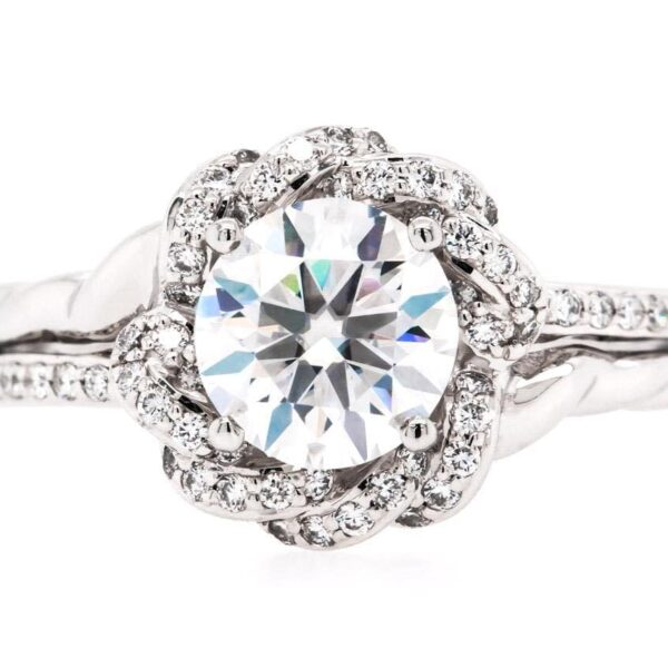 Engagement Vintage Halo Platinum Ring