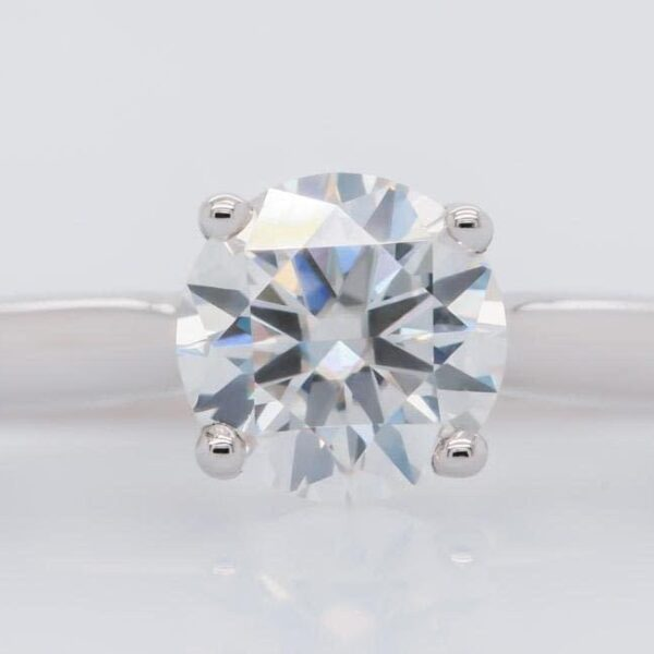 Classic Round Cut Solitaire Engagement Ring 1.0ct