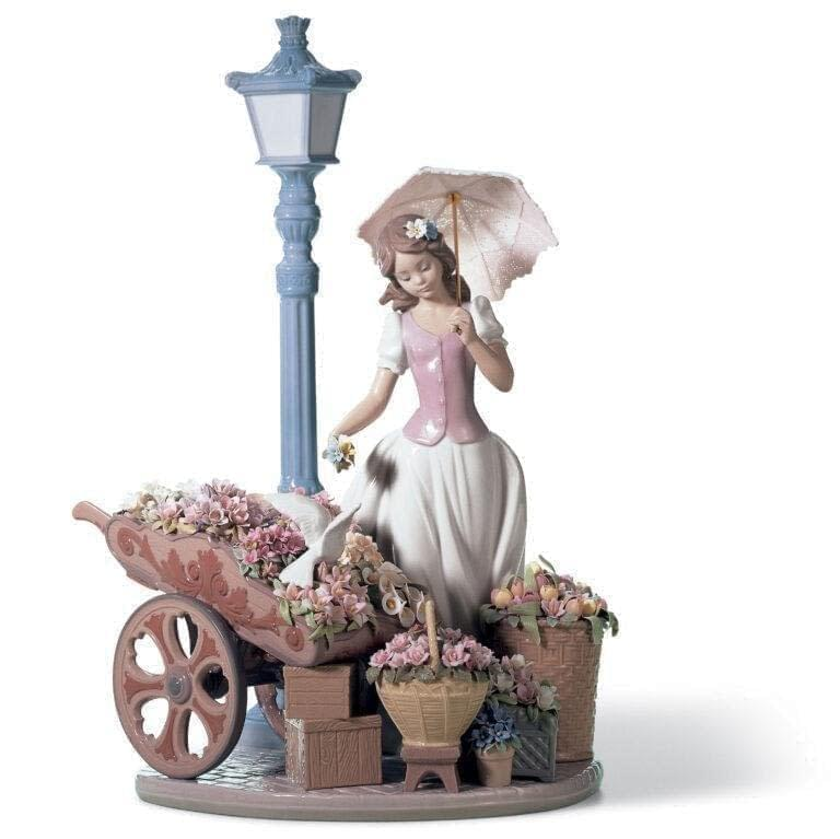 Porcelain Sculpture Flowers for Everyone Lladro