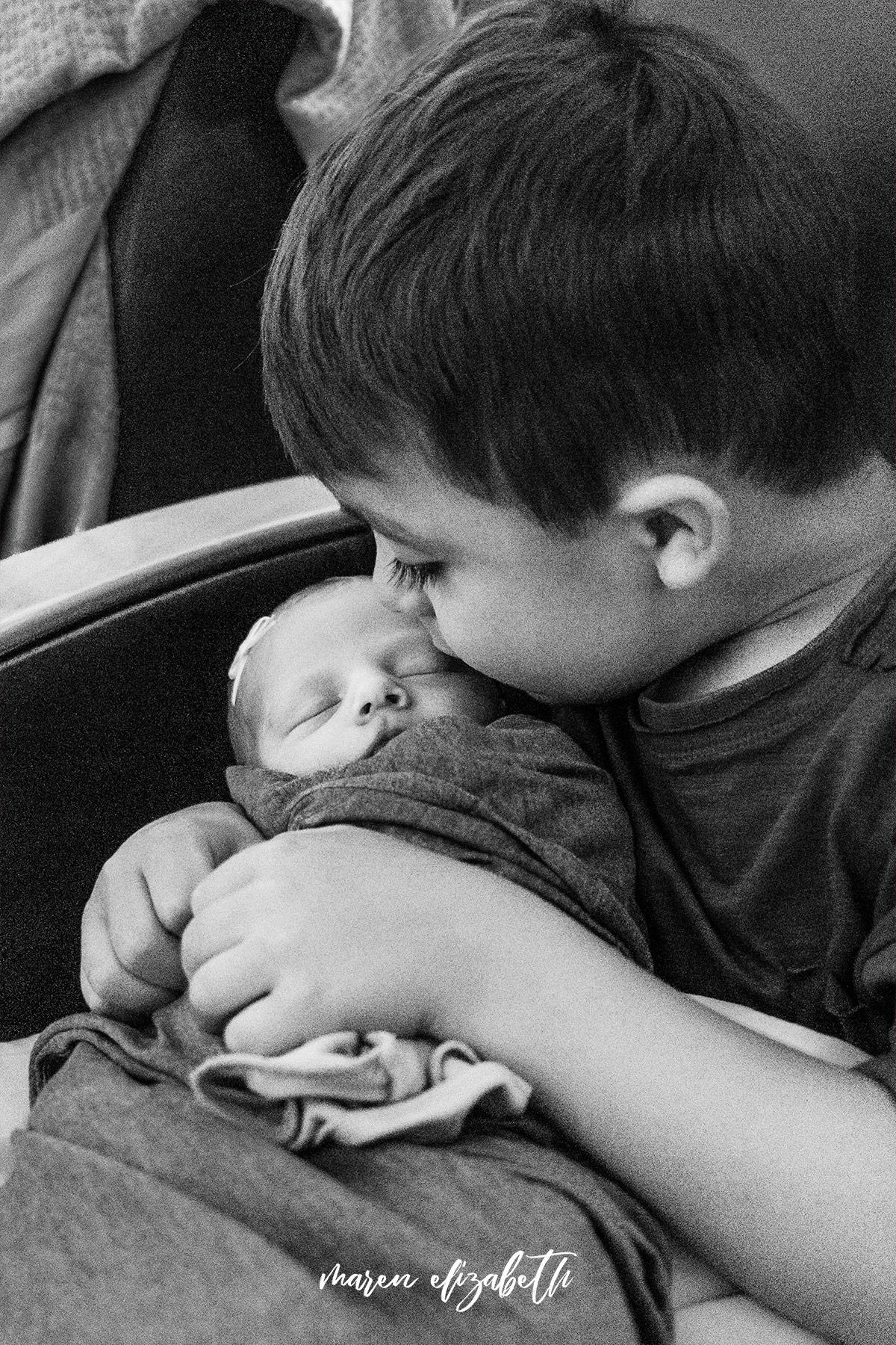 Family of four fresh 48 welcoming little Elinor at Utah Valley Hospital, Provo, UT | Maren Elizabeth Photography | Arizona Birth Photographer