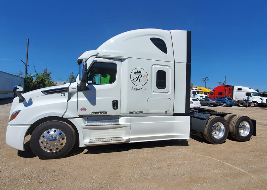 How to get a class A CDL and find a perfect company to work for
