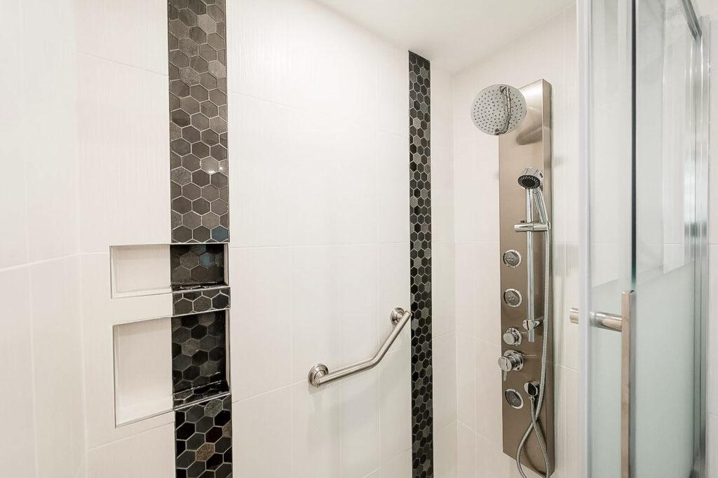 accessible bathroom - accessible bathroom in Ottawa