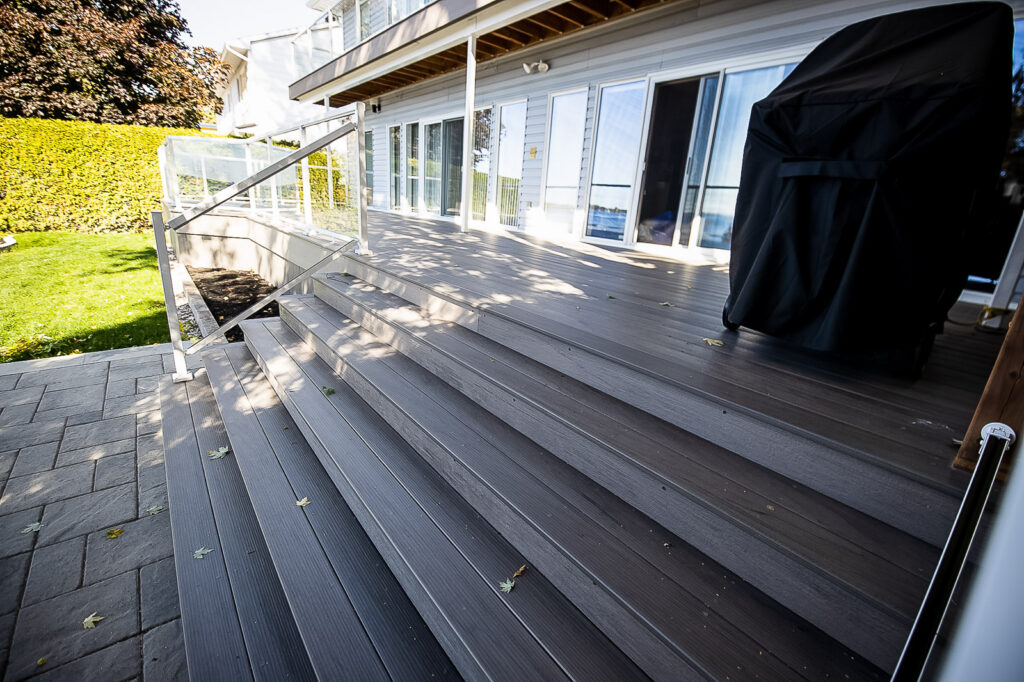 composite decking pros and cons