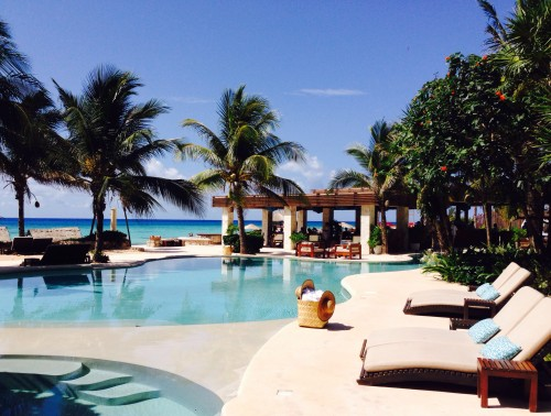 Gorgeous Viceroy oceanfront swimming pool