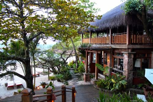 Ponta Dos Ganchos restaurant and beach