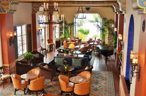 La Sala lobby lounge (photo courtesy of La Valencia)
