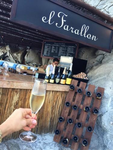 El Farallon champagne terrace