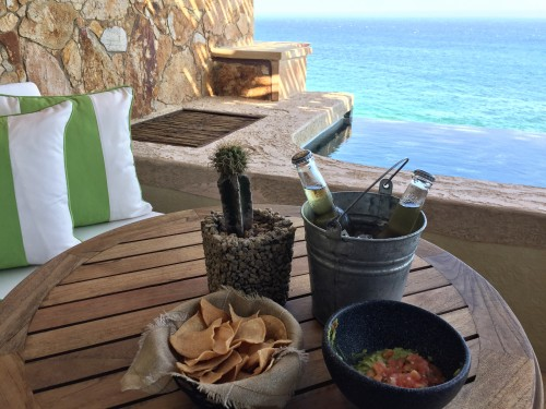 Guacamole & cervezas delivered to your room every day before dinner- yes please!