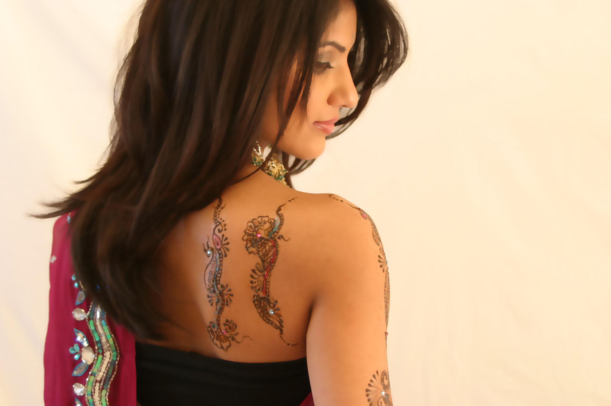 Henna by Amberesque13