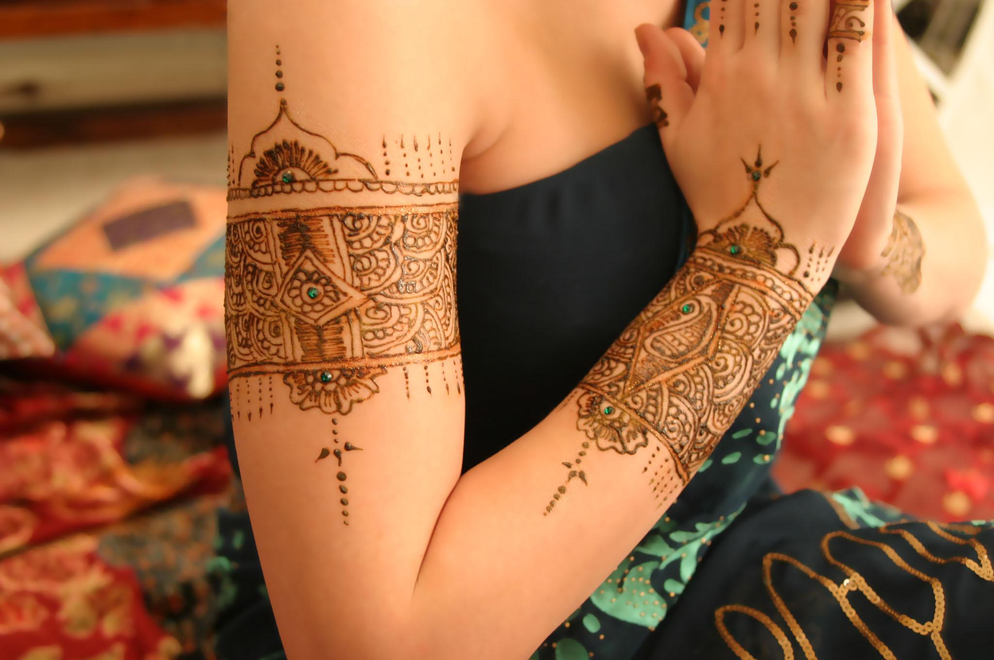 Henna by Amberesque12