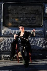Musician-Brooklyn-Bridge