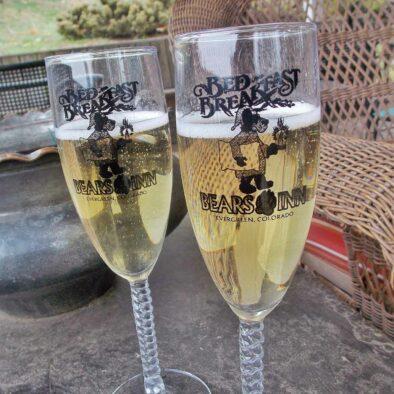 Champagne-flutes-2