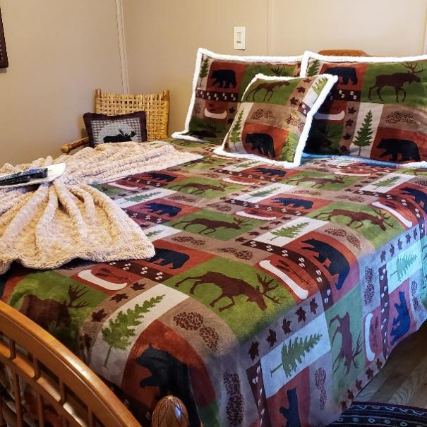 Bedroom with quilt