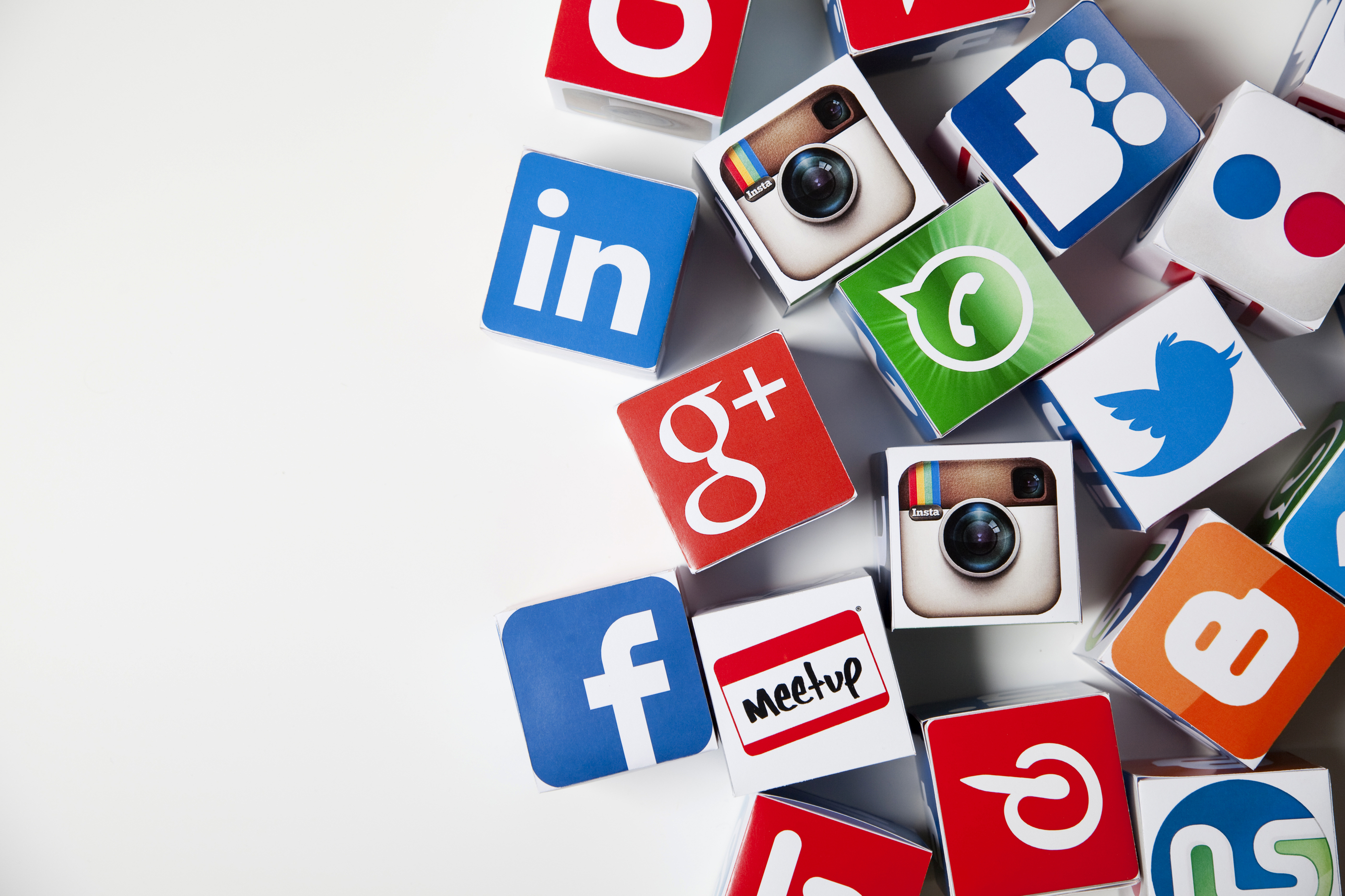 8 Amazing Ways to Use Social Media for Small Business