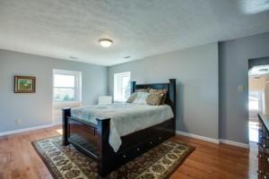 1945 Smithland Rd - Master Bedroom