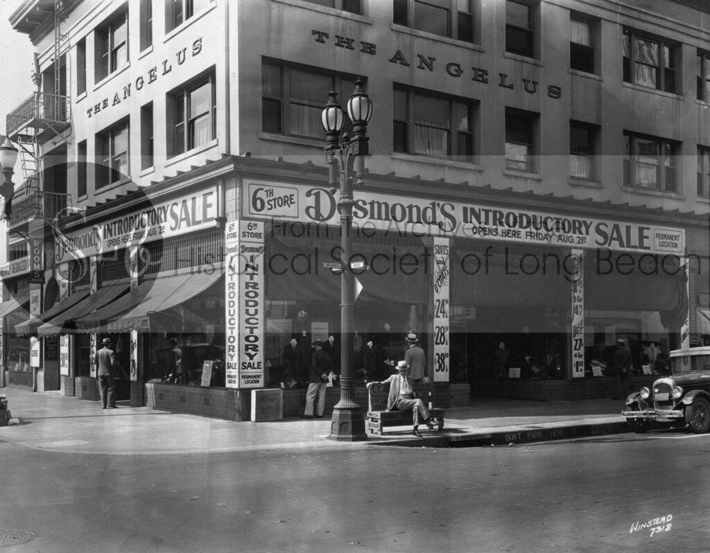 Desmond's Department Store at Broadway & Locust, 1931