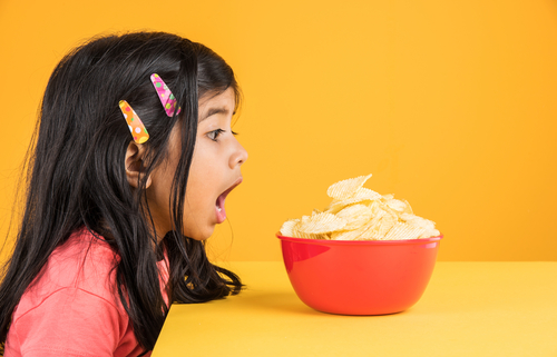 kid-with-chips