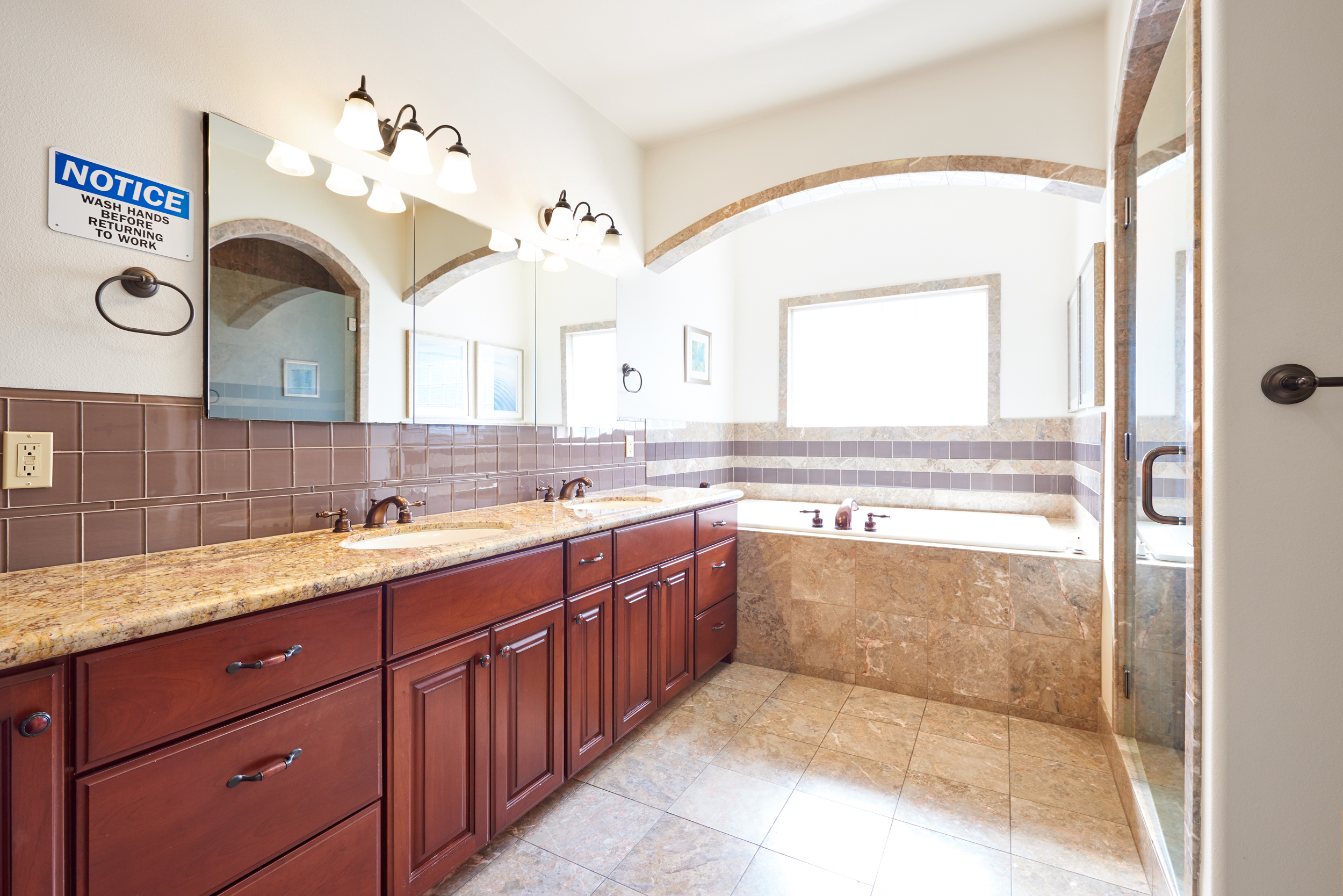 https://secureservercdn.net/198.71.233.107/zgw.2cd.myftpupload.com/wp-content/uploads/2020/08/Gratitude-Lodge-Long-Beach-Master-Bathroom.jpg?time=1607134972