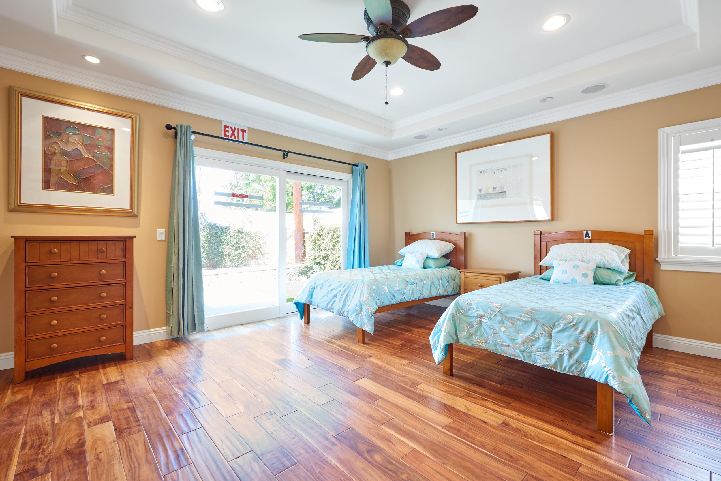 https://secureservercdn.net/198.71.233.107/zgw.2cd.myftpupload.com/wp-content/uploads/2020/08/Gratitude-Lodge-Long-Beach-Master-Bedroom-1.jpg?time=1607134972