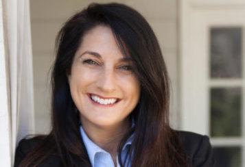 Dr Theresa Welles headshot