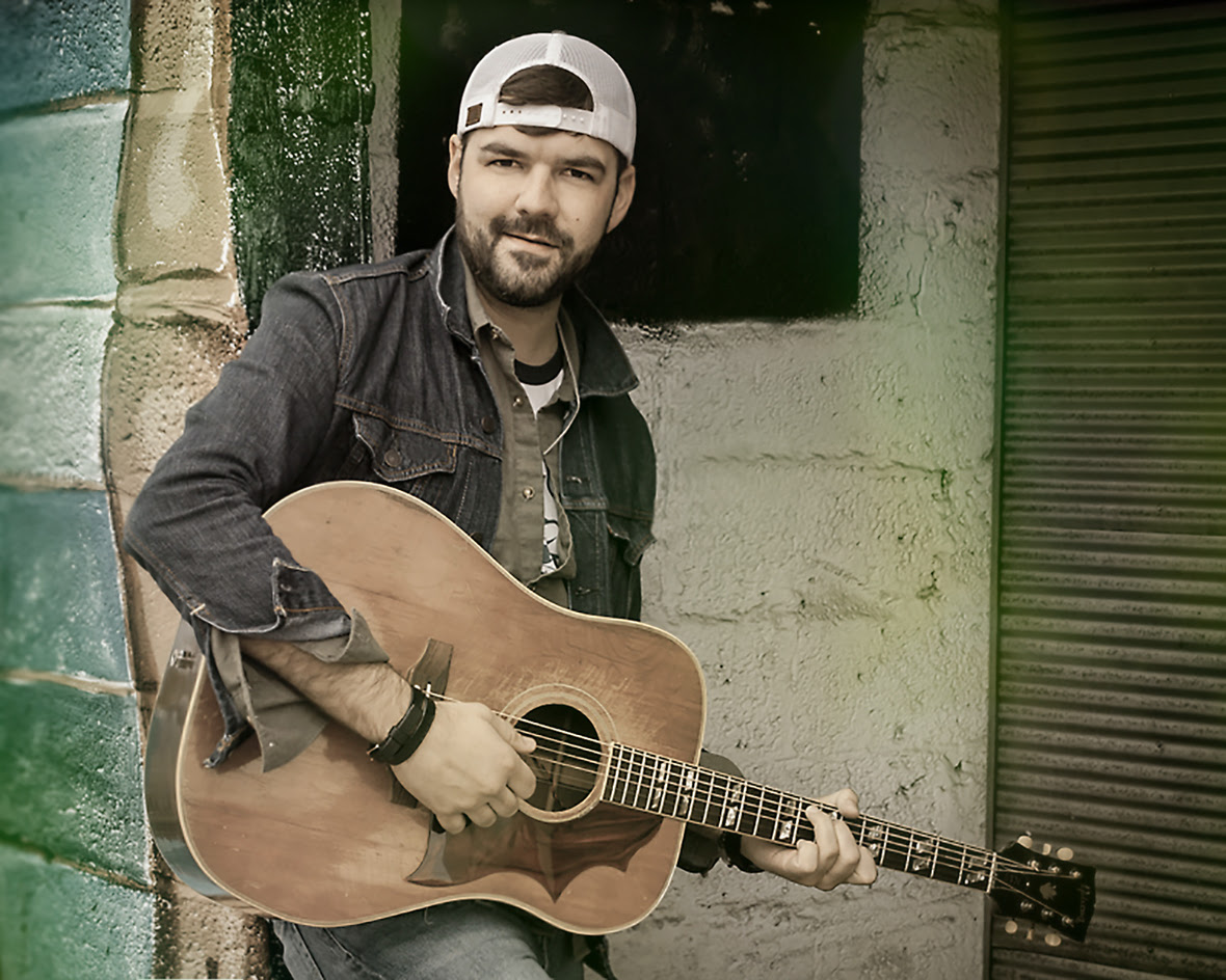 "Will Thomas Reed releases single ""Home Is Where the Bar Is"""