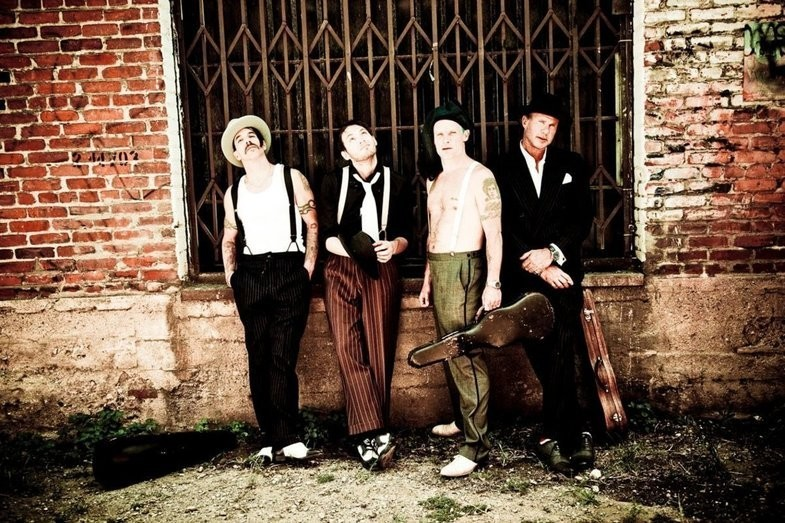 """Red Hot Chili Peppers, Unveils 18 Previously Unreleased Sides From The """"I'm With You"""" Sessions"""