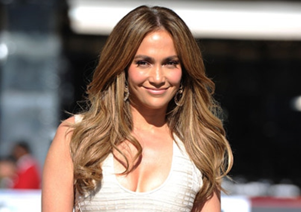 "JenniferLopez.com Launches ""Tour Feed"" For Most Fan Friendly Connected Tour Ever"