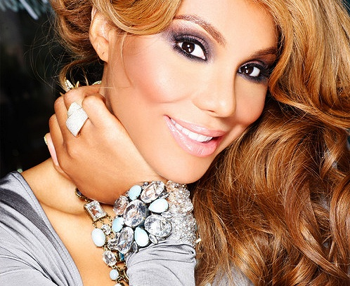 """Tamar Braxton steps Into The Spotlight with No. 1 Debut """"Love And War"""""""