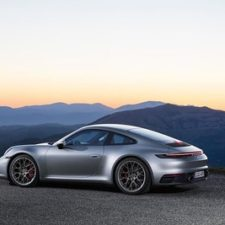 2020 Porsche 911 Carrera S and 4S more powerful, more dynamic