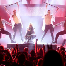Shania Twain Set To Performs At Zappos TheateratPlanet Hollywood Las Vegas