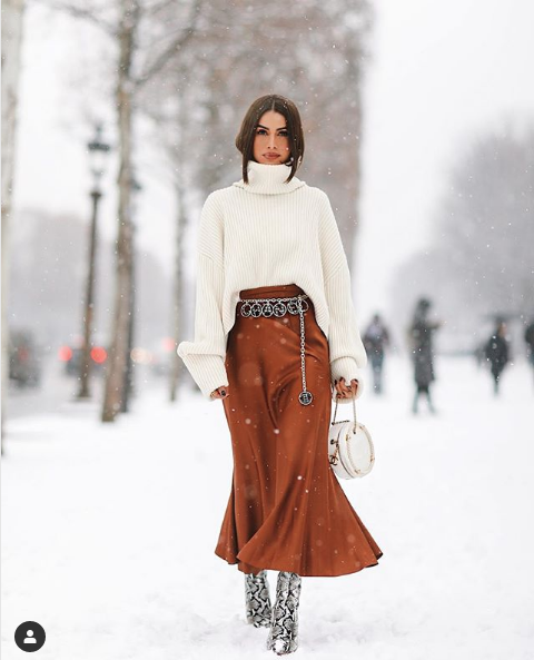 Accessorizing with a belt