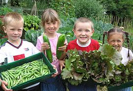 kids with veggies