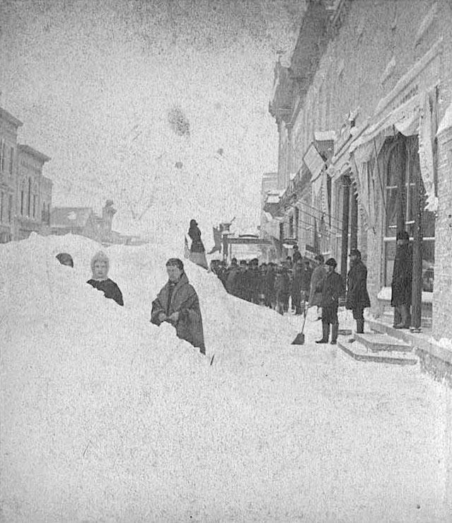 another snowy shot 1881 West main looking east from Clinton St